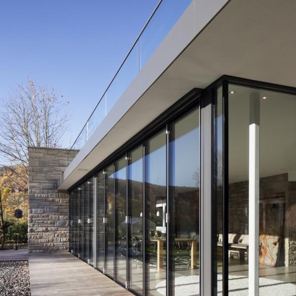 Glasdörrar för uterum