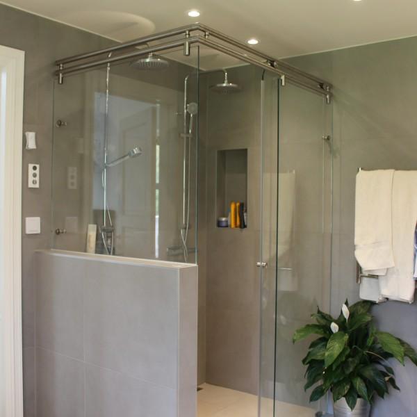 Måttanpassade glasväggar badrum