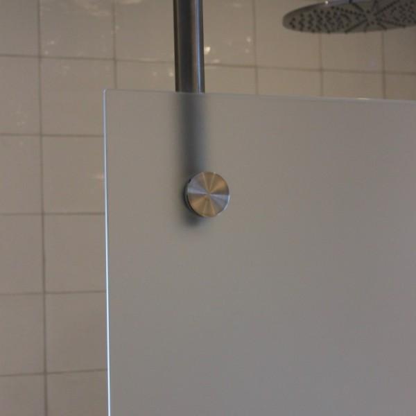 Frostad glasvägg badrum