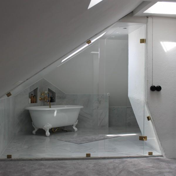 Glasväggar inomhus