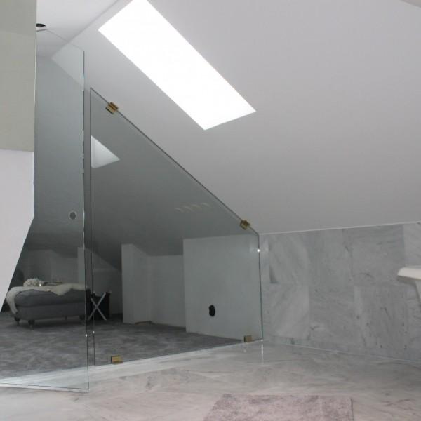 Glasvägg till badrum