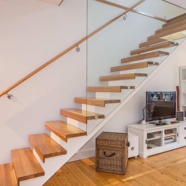 Glasvägg i trappa