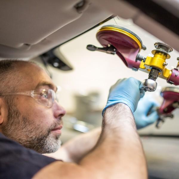 Montering av ny bilruta